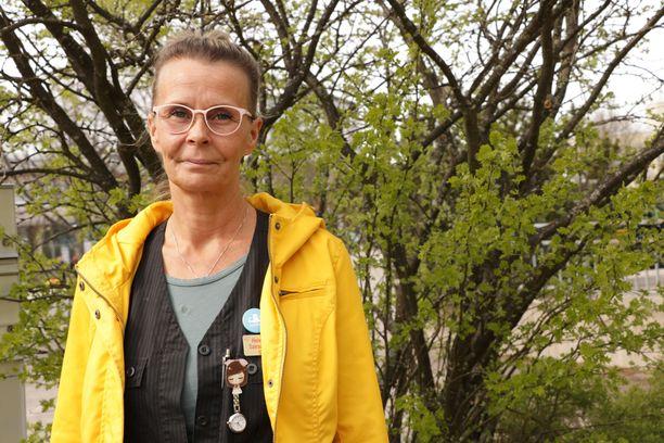 Sairaanhoitajana työskentelevä Sanna Autio oli 8,5 vuoden ajan pohjalla. Välillä naisen ainoat ystävät olivat Hämeenlinnan poliisit.