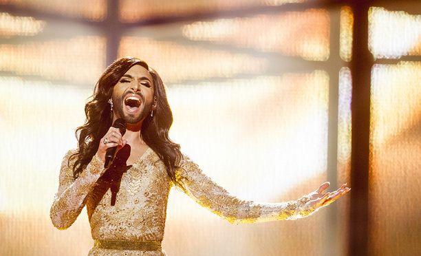 Tämän näköisenä Conchita Wurst nähtiin Euroviisuissa.