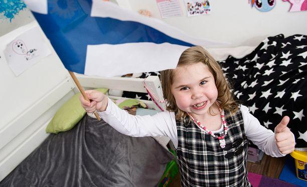 Viisi vuotta sitten Sofia makasi letkuissa kuolemansairaana. Nyt hän hymyilee reippaana ekaluokkalaisena. Sofian tarina on esimerkki siitä, että aina on toivoa.