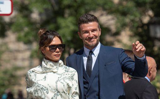 Beckhamit naimisissa jo 20 vuotta - muistatko näitä upeita tyylihetkiä vuosien varrelta