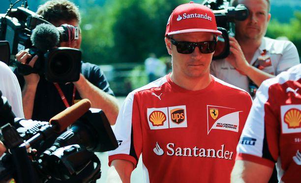 Kimi Räikkönen oli Belgian GP:n varikolla median ristitulessa.
