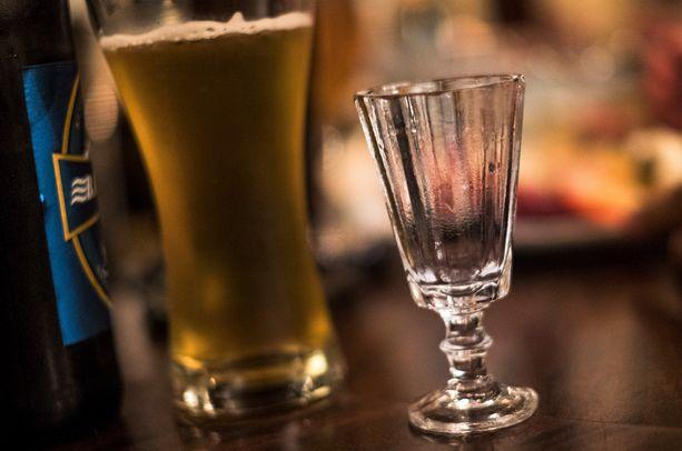 Poliisimies kertoi nauttineensa alkoholia edellisenä iltana neljän tunnin ajan.