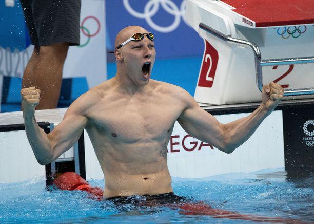 Matti Mattsson tuuletti olympiapronssia railakkaasti.