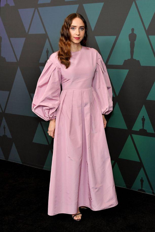 Zoe Kazanin iltapuku Valentinolta on kuin hattaraa.