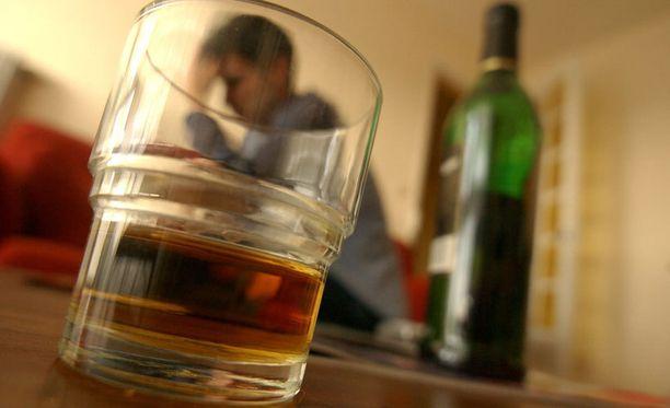 Alkoholin palamista nopeuttava lääke toimii ainakin hiirillä. Menee kuitenkin vielä vuosia ennen kuin lääke voi auttaa ihmisiä.