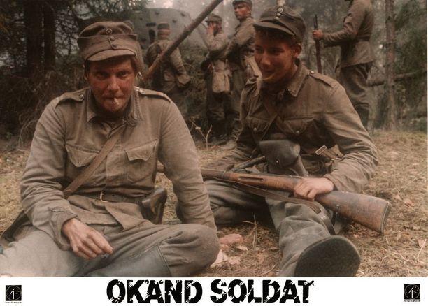 Pirkka-Pekka Petelius näytteli Rauni Mollbergin Tuntemattomassa sotilaassa Hietasen roolin.