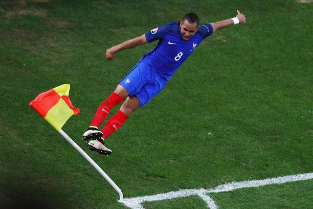 Dimitri Payet tuuletti näyttävästi maaliansa Albaniaa vastaan EM-kisoissa. Ranska eteni aina finaaliin asti, jossa Portugali oli kuitenkin parempi.