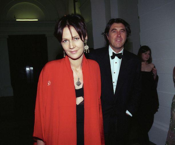 Birley oli 21 vuotta yhdessä laulaja Bryan Ferryn kanssa. Parilla on neljä yhteistä lasta.