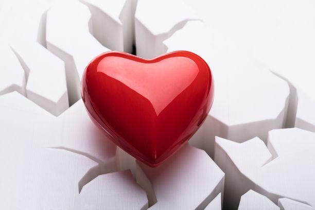 Sydäninfarktin hoidossa aika on tärkeää. Mitä nopeammin pääsee hoitoon, sitä paremmin hoito tehoaa.