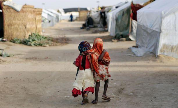 Boko Haram on ajanut valtavat määrät nigerialaisia lapsia kotoaan. Kuva Tsadin pakolaisleiristä.