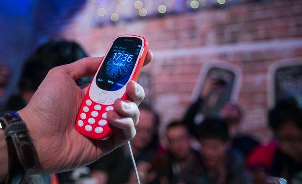 Uusi 3310 sopii esimerkiksi kakkospuhelimeksi mökkeilyä, urheilua tai lomareissuja varten. Lisäksi se voi auttaa digipaaston pitämisessä.