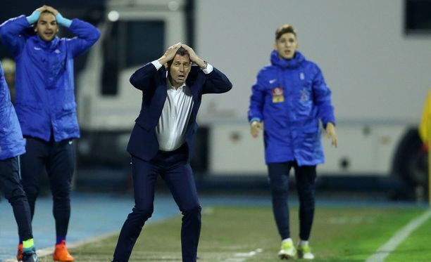 Kreikan vaihtopenkillä nähdyt ilmeet olivat paljonpuhuvia ottelussa Kroatiaa vastaan.
