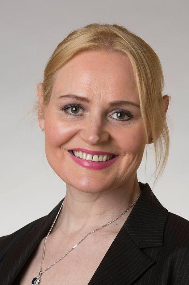 Kansanedustaja Veera Ruoho (ps) kannattaa katupartiointia Suomessa.