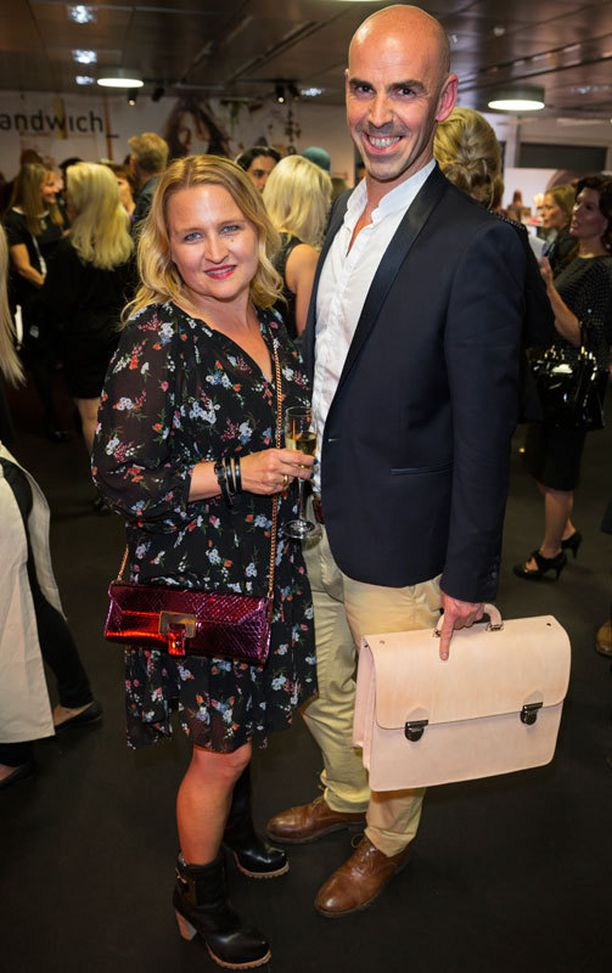 Lumi-muotimerkin suunnittelijapariskunta Sanna Kantola ja Bruno Beaugrand suunnittelevat nykyisin laukkujen ja asusteiden lisäksi myös persoonallisia kenkiä.