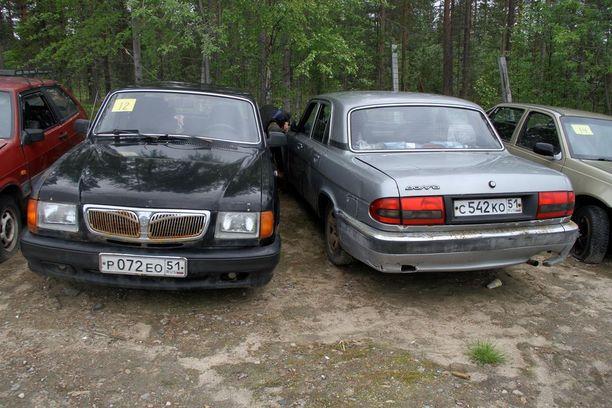 Idän luksusautoja ovat olleet muun muassa Volgat.