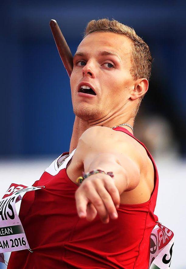 Kimmo Kinnunen on vuonna 2003 päättyneen urheilijauransa jälkeen toiminut leipälajissaan valmennustöissä.