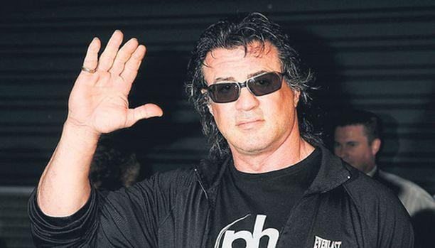 Sylvester Stallonea epäillään kiellettyjen aineiden kuljettamisesta.