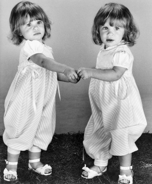 1988: Kaksoset astuivat televisiojulkisuuteen vain 9 kuukauden ikäisinä vauvoina ja olivat taaperoina jo tottuneita tv-tähtiä.