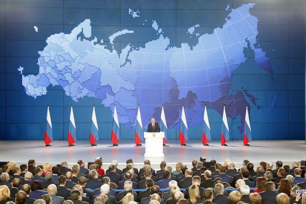 Putin sanoi, ettei Venäjä halua yhteenottoja. Venäjä lisää ohjuksia Euroopassa jos USA tekee niin, mutta Venäjä ei tee niin ensimmäisenä.
