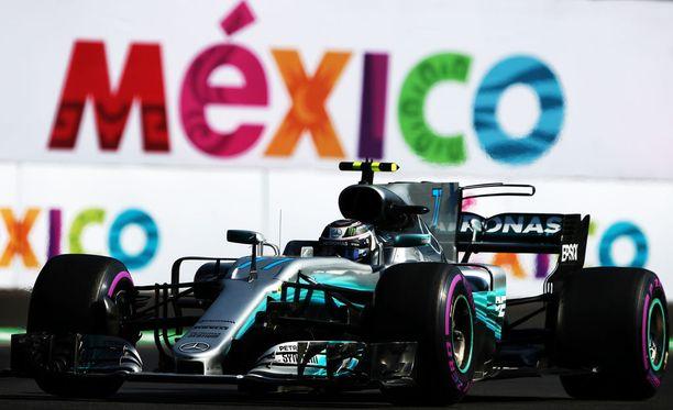 Valtteri Bottas nauttii Meksikon GP-radan luonteesta.