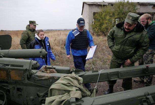 Etyjin tarkkailijat pyrkivät liikkumaan koko kriisialueella, mutta monesti heidän kulkuaan rajoitetaan tai estetään etenkin separatistialueella.