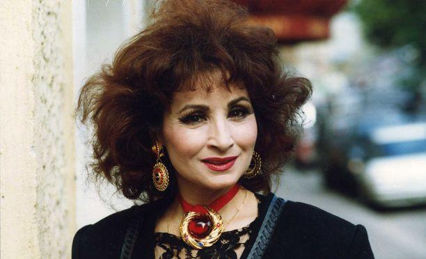 Anneli Sarilta varastettiin arvokorut hotellista Espanjan aurinkorannikolla.