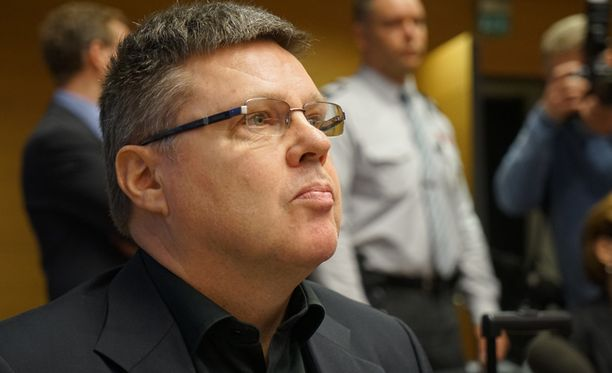 Syyttäjän näkemyksen mukaan Jari Aarnio on käyttänyt naisen virheellistä rekisterimerkintää hyväkseen.