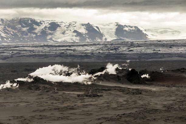 Maailman ensimmäinen ilmastokriisin takia sulanut jäätikkö sijaitsi Islannissa. Kuvassa Vatnajökullin jäätikkö kuvattuna 2014.