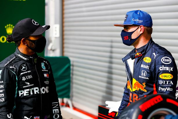 Max Verstappen tietää, että Lewis Hamilton on Span radalla saavuttamattomissa.