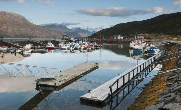 Lahtelaiskoulun oppilaat joutuivat veden varaan Norjassa. Kuvassa Skitbonin satama-alue.