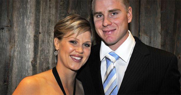 Minea Blomqvistin ja Roope Kakon esikoinen syntynee huhtikuussa.