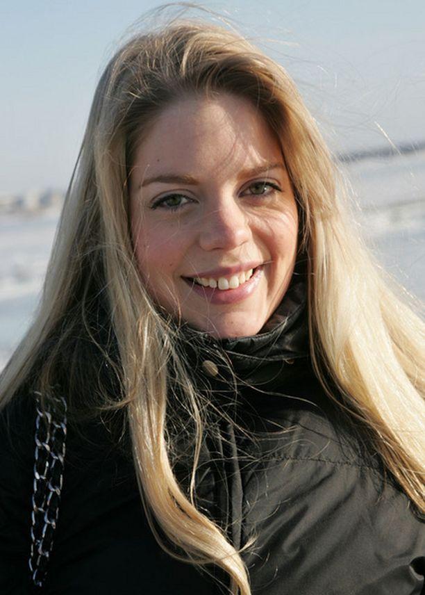 YSIN NAINEN Espoolainen Tuija Sirola arvioi hurmaavuusindeksinsä yhdeksän arvoiseksi asteikolla 1–10.