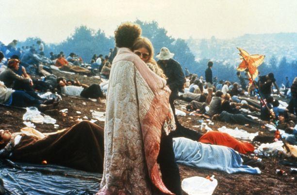 Vaikka järjestelyt olivat kaoottiset, oli festivaalin tunnelma pelkkää rauhaa ja rakkautta. Väkivaltaisuuksia ei ollut lainkaan.