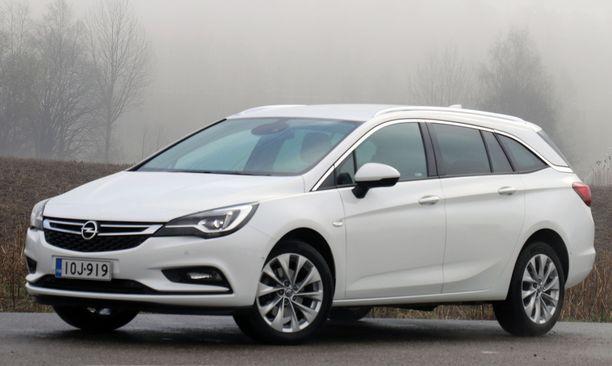 Opel Astra CNG: hinta laskee yli 1 000 euroa.