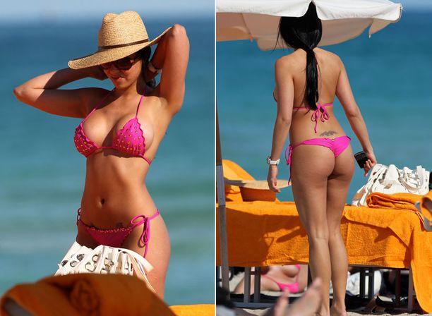 Uskaltaisitko pukeutua rannalle yhtä rohkeasti kuin Playboy-tähti Francesca Frigo?