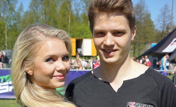 Kihlapari Lotta Hintsa ja Kristian Näkyvä muuttaa syksyllä yhdessä Yhdysvaltoihin.