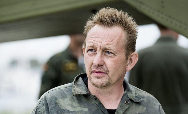 Peter Madsen kiistää murhan, mutta myöntää ruumiin paloittelun.