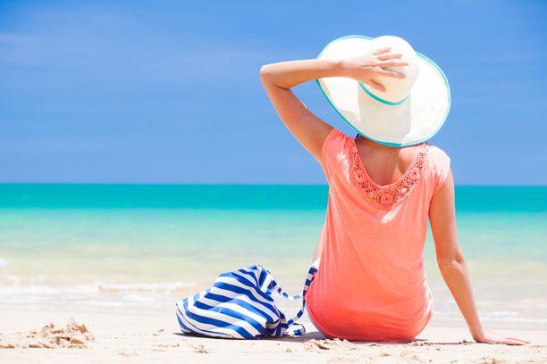 Kiireettömyys, lämpö ja valkoinen ranta. Tässäpä monen matkaunelma.