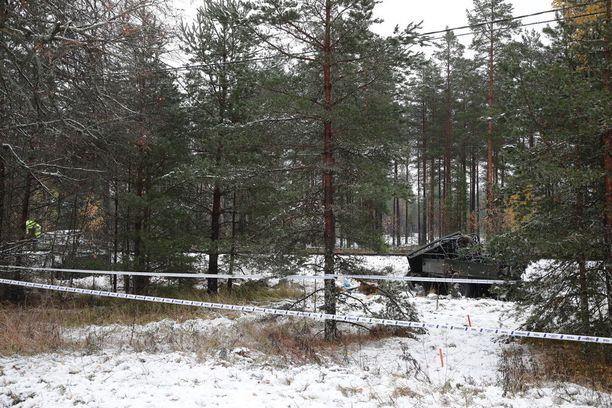 Onnettomuuspaikkaa ympäröivä alue on eristetty.