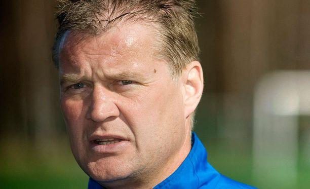 Ari Hjelmin mukaan HJK:n peli on liian hidasta.
