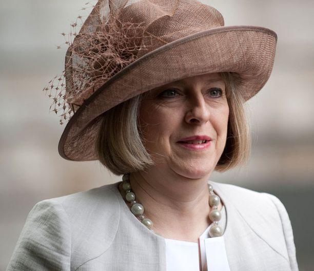 Britannian sisäministeri Theresa May aikoo kieltää pakkoavioliitot.