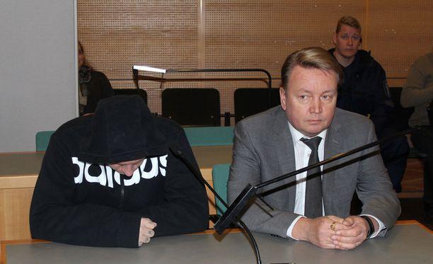 Multialla viime kesäkuussa tapahtuneen henkirikoksen käsittely jatkuu Keski-Suomen käräjäoikeudessa tänään iltapäivällä.