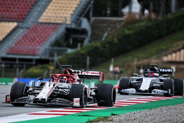 Kimi Räikkönen ja kumppanit pääsevät tositoimiin.