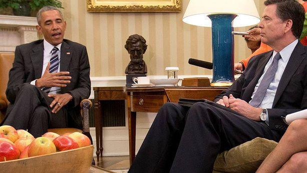 Yhdysvaltojen presidentti Barack Obama ja FBI-pomo James Comey puhuivat Orlandon joukkomurhasta Valkoisessa talossa.