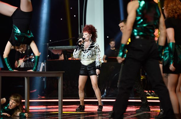 Virve Rosti tippui kolmantena laulajana Tähdet, tähdet -ohjelmasta.