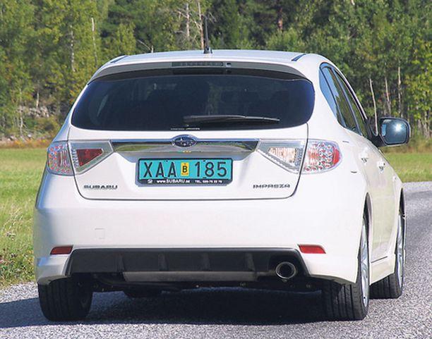 VIISTOPERÄ Uusi hatchbackperä on saanut kruunukseen LED-valotoimiset takavalot.