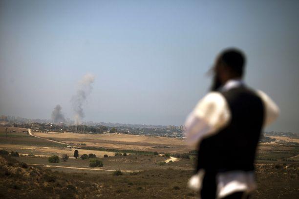 Sderotissa asuvat juutalaiset ovat seuranneet Gazan verilöylyä kuin tv-sarjaa kotikylästään.