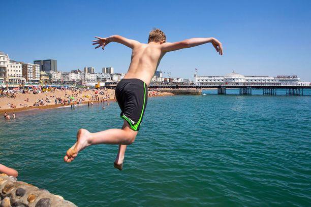 Brightonin rannalle voi halutessaan tehdä päiväreissun Lontoosta.