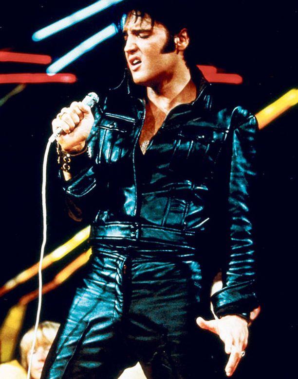 Elvis rokkaa yhä ihmisten sydämiin.