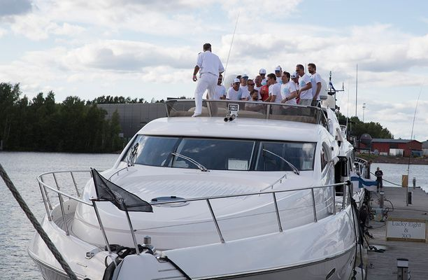 Teemu Selänteen luksusvene on tuttu näky Suomen vesillä.